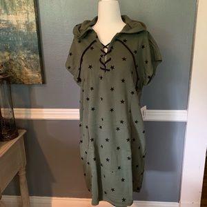 Dresses & Skirts - NWT Hooded Dress. Super comfortable